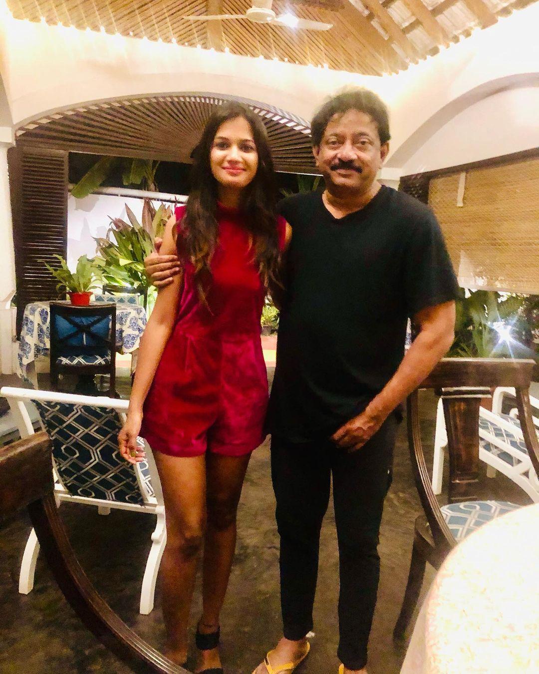 Ariyana Glory with RGV in Goa | TotalTelugu